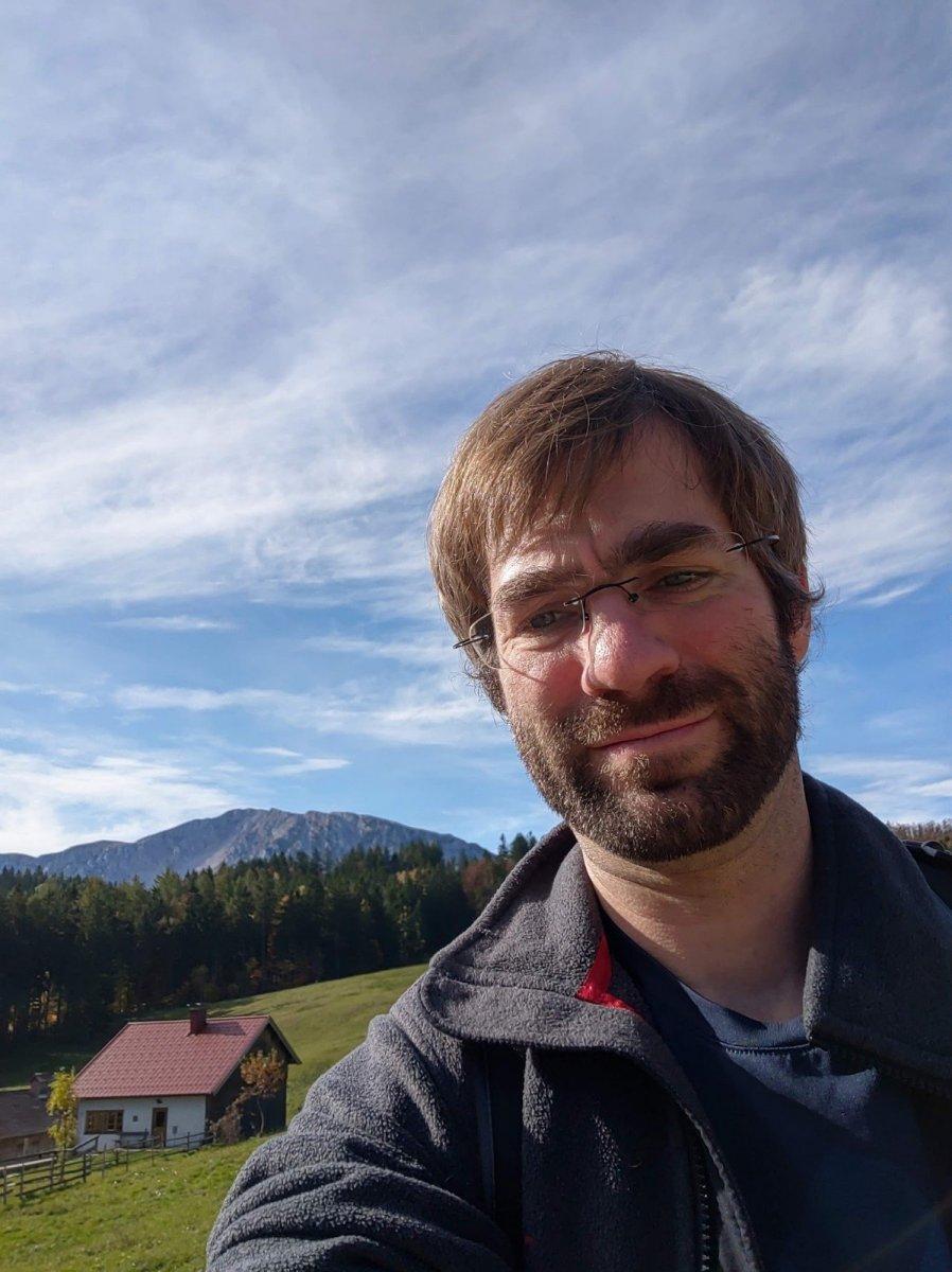 Selfie vor dem Bergpanorama