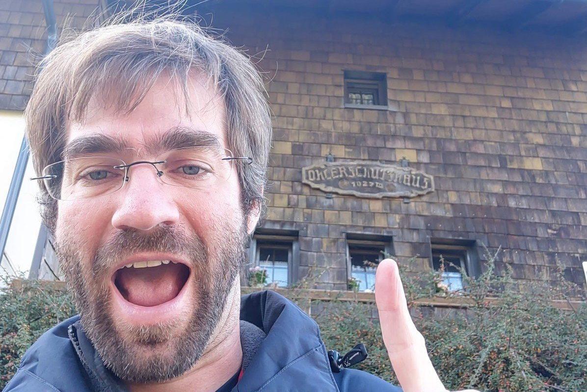Selfie vor dem Öherschutzhaus
