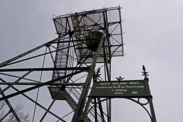 Wandern in Österreich: Über den Anninger von Mödling nach Baden