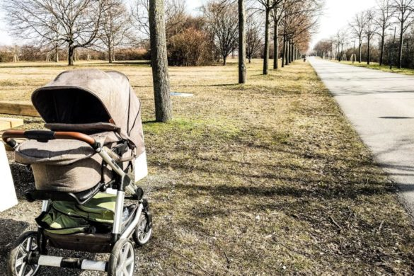 Excursion with stroller in Vienna: Trip to the Danube island